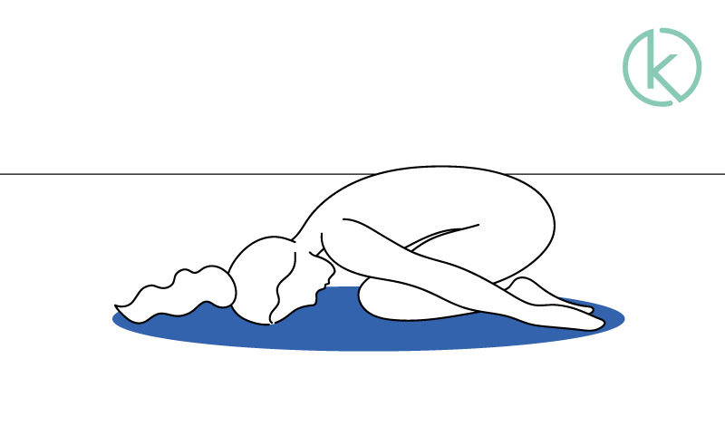 Mit der Kindspose zum Ende der Übungen gegen Nackenschmerzen entspannen.