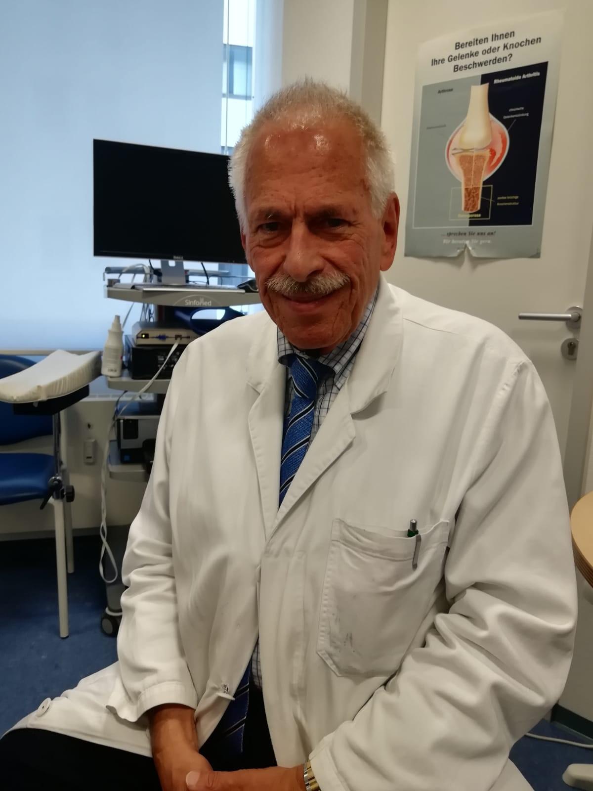 Dr. Albert Güßbacher spricht im Interview über das Thema Rückenschmerzen.